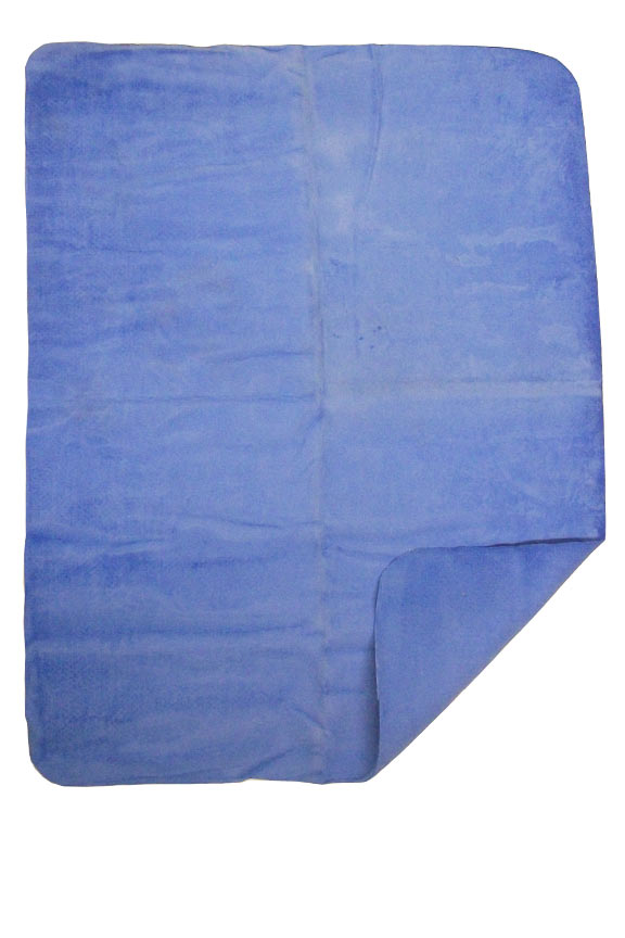 Large, spongy cloth for drying surfaces without leaving spots or streaks.