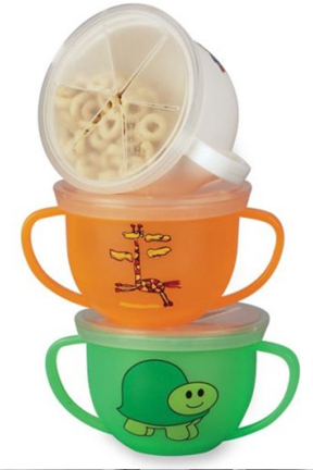 Bright colors and perfect sizing make this snack cup perfect for toddlers.